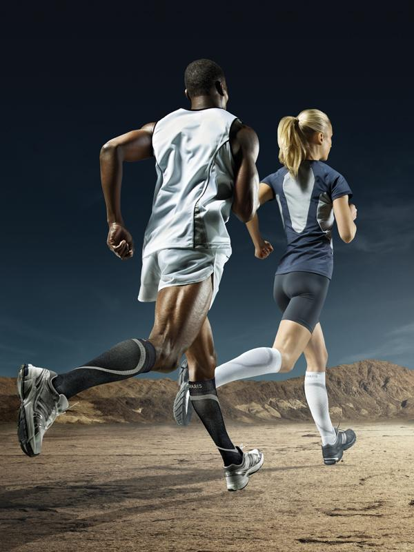 runners wearing compression socks