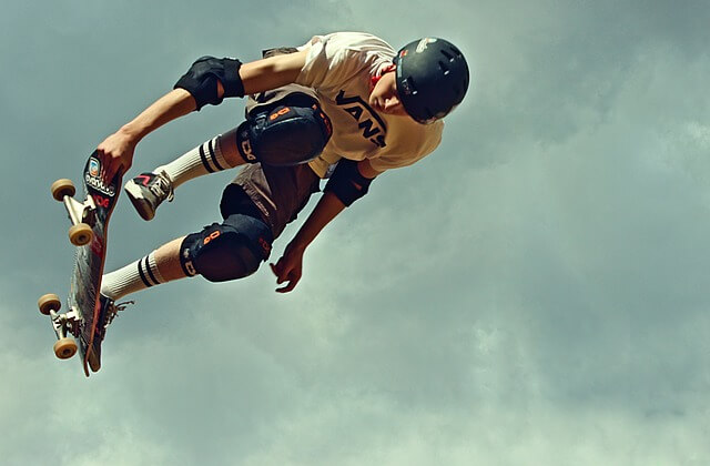 how to wear compression shorts for skaters
